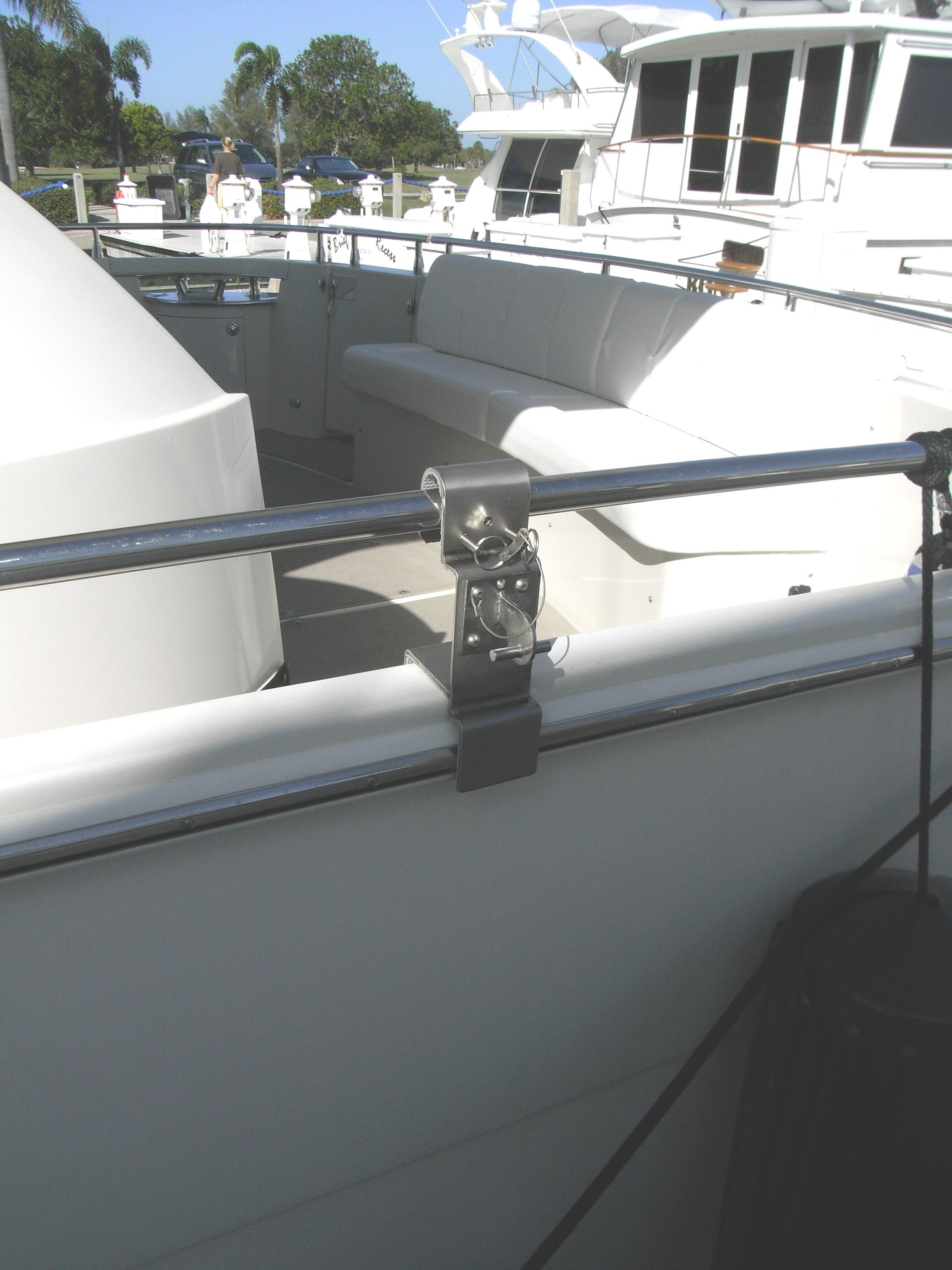 custom rail/gunnel mount on Marquis 59